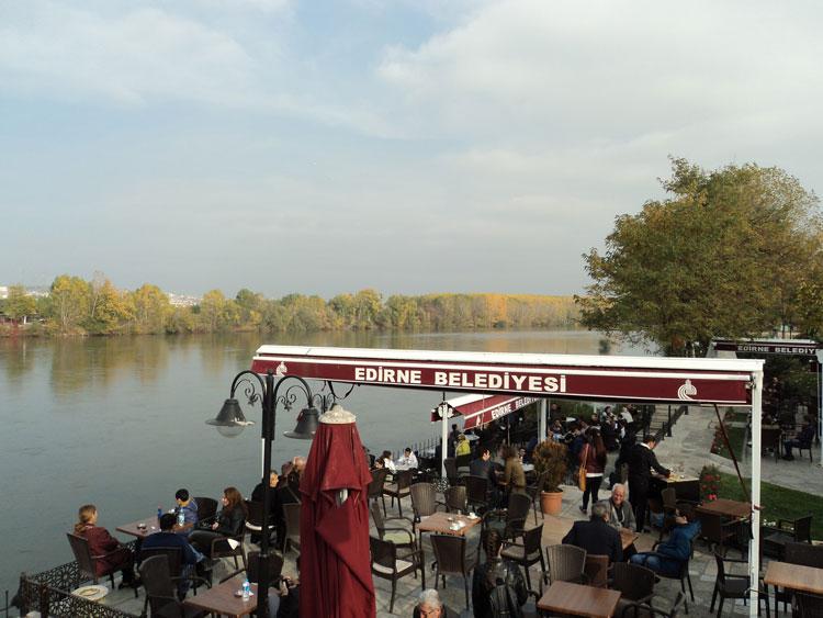 Αδριανούπολη, καφέ στις όχθες του Έβρου.