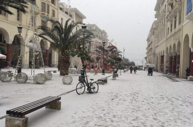 aristotelous_snow2