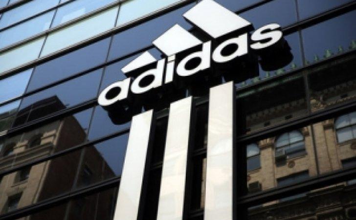 Η Adidas ανακαλεί παιδικά μαγιό με επικίνδυνες ρίγες - dailythess ... 55de0a7ab9b